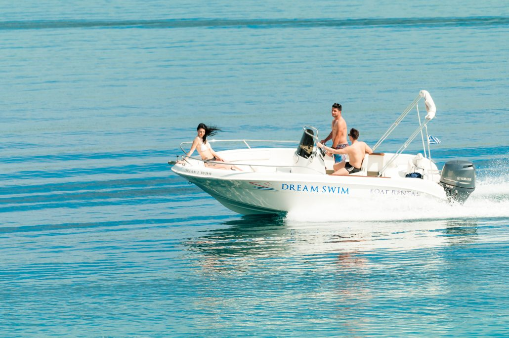 Dream Swim boat rental- Selva 5.60