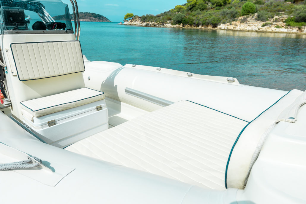 Evripus 5.60 - Rent a rib in Sithonia